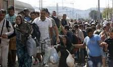 Cateva sute de imigranti au plecat pe jos din Budapesta, spre Germania