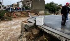 În sudul Frantei au cazut violente ploi în cursul noptii de duminica spre luni provocând importante pagube materiale. Un pod s-a prabusit la Villegailhec, 15 octombrie 2018.