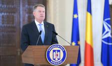 Klaus Iohannis anunta ca va retrage decorațiile tuturor condamnaților penali