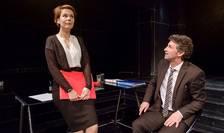 """Irina Velcescu și Andi Vasluianu în piesa """"Mărimea contează"""" la Teatrul Nottara"""