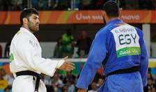 Islam El Shehaby refuză să dea mâna cu Ori Sasson