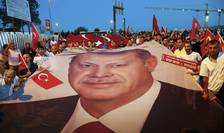 Marş pro-Erdogan, la Istanbul (Foto: Reuters/Osman Orsal)