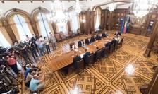 Consultări la Cotroceni, între preşedintele Klaus Iohannis, Guvern, BNR şi partide, după Brexit (Foto: www.presidency.ro)