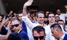 Kyriakos Mitsotakis, de la formatiunea Noua Democratie, la iesirea din biroul de vot, Atena, 7 iulie.