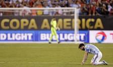 Lionel Messi, la pământ (Foto: Adam Hunger-USA TODAY Sports via Reuters)