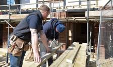Lucrători pe cont propriu în construcții