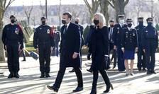 Emmanuel Macron si sotia sa Brigitte Macron la omagiul adus victimelor terorismului, Invalizi, Paris, 11 martie 2021.
