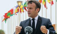 Emmanuel Macron în iunie 2020 în cursul unei călătorii în Africa.