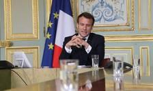 Emmanuel Macron, presedintele Frantei, în videoconferintà la Palatul Elysée, 8 aprilie 2020
