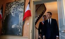 Emmanuel Macron și portretul lui Charles de Gaulle