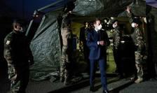 Presedintele Frantei, Emmanuel Macron vizitând un spital militar de campanie la Mulhouse, 25 martie 2020