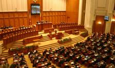 Moţiunea de cenzură a PNL este dezbătută în Parlament vineri, 12 iunie.