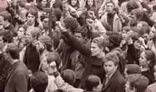 Manifestatie studenteasca la Paris pe 4 mai 1968.