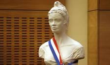 Bustul lui Marianne, simbolul Republicii franceze, la Parlamentul din Paris