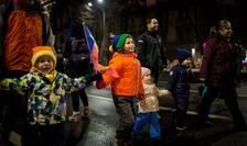Copiii participă şi ei la protestele de stradă, alături de părinţi (Foto: Arhivă AFP ianuarie 2017/Andrei Pungovschi)