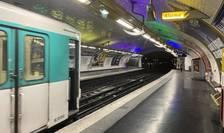 O statie de metrou pustie, la Paris, 17 martie 2020