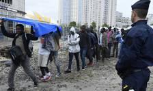 Circa 2.500 de migranti au fost evacuati pe 18 august 2017 de la Porte de la Chapelle