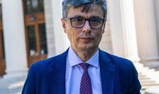 Virgil Popescu anunță că Executivul ar putea interveni în scandalul legat de liberalizarea pieței energiei (Sursa foto: Facebook/Virgil Popescu)