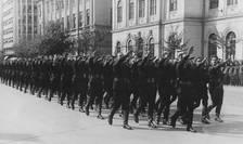 Defilare a legionarilor în 1940