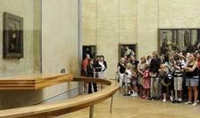"""Celebra """"Giocondă"""" de la Luvru este vizitată zilnic în medie de 30 000 de admiratori."""