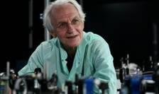 Profesorul Gérard Mourou a fost răsplătit pentru descoperiri revoluționare în domeniul laserelor de mare putere, cu aplicații multiple în știință