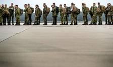 Soldati olandezi se pregàtesc sà plece în Norvegia în perspectiva manevrelor militare NATO, pe 23 octobrie 2018.