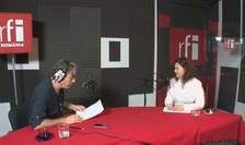 Nicolas Don și Ileana Toma in studioul de inregistrari RFI Romania