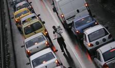Ambuteiaj în traficul din București-ilustrație (Sursa: Mediafax/Andrei Spirache)