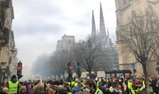 """Protestatarii, scriu jurnaliştii francezi, vorbesc deja despre o întâlnire """"sâmbătă viitoare"""""""