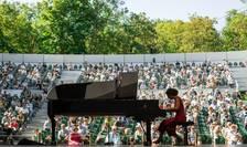 Pianista italianà Beatrice Rana pe scena de Festivalului de la Roque d'Anthéron, 2 august 2020