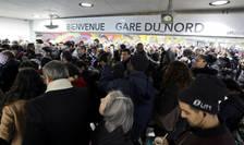 Pierderi de sute de milioane de euro pentru compania nationala de trsnport feroviar SNCF si regia locala de transport în comun din Paris, RATP ca urmare a grevei declansate împotriva reformei pensiilor.