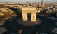 Place de l'Etoile din Paris, gol din cauza carantinei, 4 aprilie 2020.