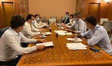 Liderii PNL și USR-PLUS, la discuții (Sursa foto: Facebook/Claudiu Năsui)