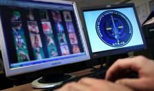 60 de persoane arestate, 100 de mobile si laptop-uri, zeci de DVD-uri si CD-uri au fost confiscate în urma operatiunii.