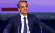 Premierul grec Kyriakos Mitsotakis în studioul televiziunii France24 din Paris, 22 august 2019.
