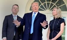 Presedintele Donald Trump l-a primit pe pastorul Brunson si pe sotia acestuia la Casa Alba, 13 octombrie 2018. Pastorul a fost eliberat dupa 21 de luni de detentie în Turcia.
