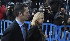 Infanta Cristina a Spaniei si sotul ei, Inaki Urdangarin, în fata tribunalului din Palma de Mallorca unde sunt judecati într-o presupusà afacere de coruptie