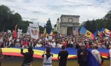 Chișinău: Mii de oameni cer unirea României cu R.Moldova