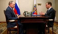 Presedintele Rusiei, Vladimir Putin, si premierul rus, Dmitri Medvedev, s-au reunit vineri în Crimeea