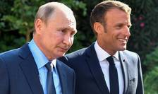 Presedintele Frantei Emmanuel Macron îl întâmpinà pe omologul sàu rus Vladimir Putin la fort de Bregançon pe 19 august 2019