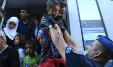 Imigranţi, în Ungaria (Foto: Reuters/Bernadett Szabo)