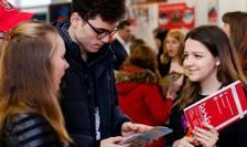 Universitățile românești se bat cu cele din străinătate pentru viitori studenți români