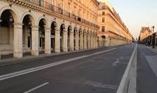 Carantina impusà în timpul epidemiei de coronavirus (aici Rue de Rivoli, unul dintre cele mai frecventate axe rutiere ale Parisului) a permis reducerea emisiilor de NO2 cu 60%.