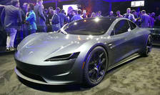 Compania Tesla a fabricat în 2019 prima mașină sport 100% electrică, modelul Roadster