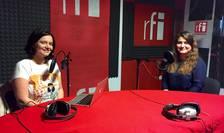 Ana-Maria Caia și Lucia Alexandra Roșca în studioul RFI România