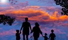 World Vision propune educație parentală pentru românii de la sate (Sursa foto: pixabay)