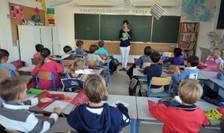 Elevii francezi vor participa la trei exercitii de securitate în timpul anului scolar