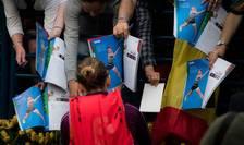 Simona Halep, asaltată de fani (Sursa foto: site WTA)