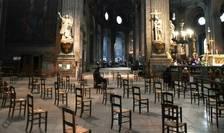 Slujbà la biserica Saint-Sulpice din Paris, noiembrie 2020.