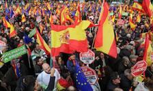 """Protestul a fost organizat de opoziția de dreapta împreună cu alte formațini de extrema-dreaptă sub sloganul """"Pentru o Spanie unită, alegeri acum!""""."""